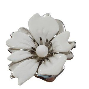 Sarah Coventry Brooch White Flower Floral Silver T